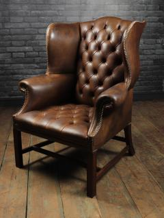 Georgian Style Brown Buttoned Leather Wing Chair - 2051501
