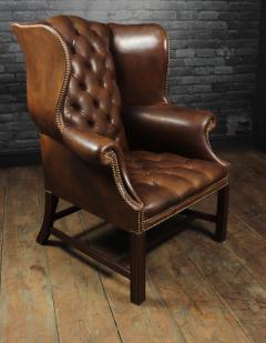 Georgian Style Brown Buttoned Leather Wing Chair - 2051504
