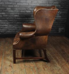 Georgian Style Brown Buttoned Leather Wing Chair - 2051508