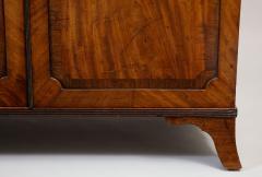 Georgian mahogany linen press - 1357650