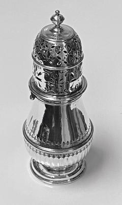 Georgian style Britannia Standard Silver Caster Muffineer London 1909 C S Harris - 1631106