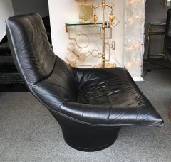Gerard van den Berg Pair of Leather Lounge Armchairs by Gerard Van Den Berg Netherlands 1980s - 622740