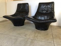 Gerard van den Berg Pair of Lounge Arm Chairs by Gerard van den Berg Model Mantis  - 1060372