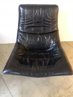 Gerard van den Berg Pair of Lounge Arm Chairs by Gerard van den Berg Model Mantis  - 1060373