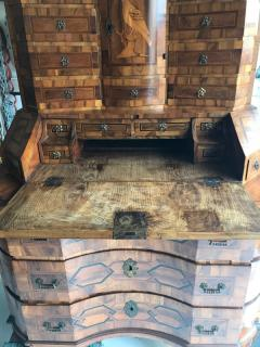 German baroque walnut and parquetry secretary - 1366136