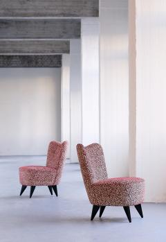 Giulia Veronesi Giulia Veronesi Pair of Perla Slipper Chairs ISA Bergamo Italy 1950s - 1203668