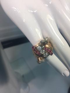 Glamorous 1940s Retro 14 Karat Diamond and Ruby Ring - 541481