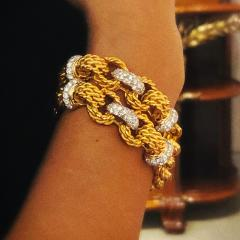 Gold Bracelet with Diamonds - 1116065