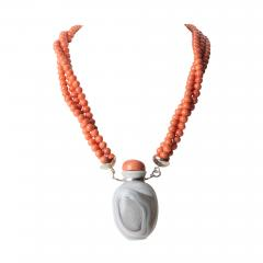 Gray Agate Snuff Bottle Pendant On A Three Strand Coral Bead Necklace - 1717923