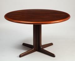 Gudme M belfabrik Danish Modern rosewood dining table with two leaves by Gudme Mobelfabrik - 1386945