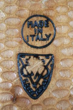 Hand Carved Walnut Covered Box by Guglielmo Pecorini - 775497