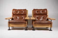 Hannu Jyr s Hannu Jyr s Pair of Unique Easy Armchairs in Oregon Pine Leather 1970s - 1604973