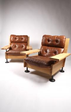 Hannu Jyr s Hannu Jyr s Pair of Unique Easy Armchairs in Oregon Pine Leather 1970s - 1604982
