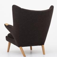 Hans Wegner AP 19 Papa Bear chair in brown wool - 952542