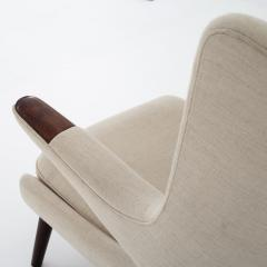 Hans Wegner AP 19 Papa Bear chair in wool - 899576