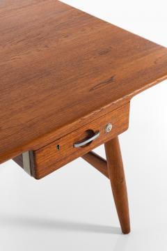 Hans Wegner Desk Model JH 571 Produced by Johannes Hansen - 1888615
