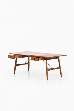 Hans Wegner Desk Model JH 571 Produced by Johannes Hansen - 1888617