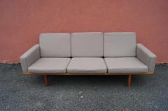 Hans Wegner GE 236 Three Seat Sofa by Hans Wegner for GETAMA - 1734789