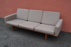Hans Wegner GE 236 Three Seat Sofa by Hans Wegner for GETAMA - 1734791