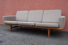 Hans Wegner GE 236 Three Seat Sofa by Hans Wegner for GETAMA - 1734792