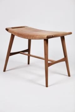 Hans Wegner Hans J Wegner AP 30 Piano Bench in Mahogany Original Natural Leather 1950s  - 1613898