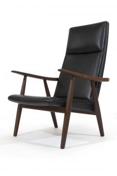 Hans Wegner Hans Wegner 260 High back Lounge Chairs in New Black Leather a Pair - 1223444