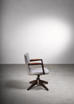 Hans Wegner Hans Wegner Oak office chair Plan M bler Denmark 1940s - 2066522