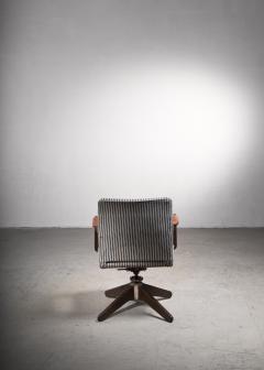 Hans Wegner Hans Wegner Oak office chair Plan M bler Denmark 1940s - 2066525
