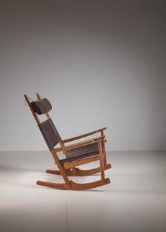 Hans Wegner Hans Wegner key hole rocking chair in original brown leather - 950029