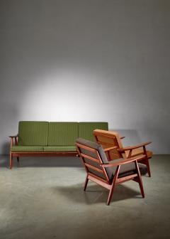Hans Wegner Hans Wegner lounge set with pristine original upholstery Denmark - 1133781