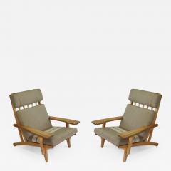 Hans Wegner Pair of Wide Arm Lounge Chairs by Hans Wegner - 353623