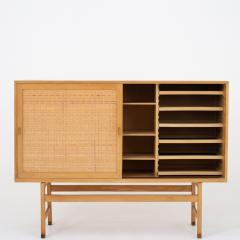 Hans Wegner Tall sideboard in oak - 1044631