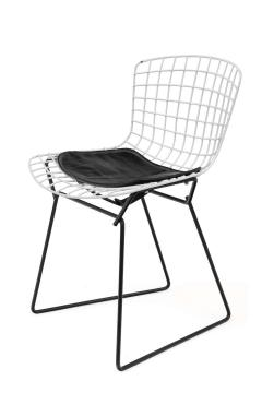 Harry Bertoia Harry Bertoia Childs Chairs in White with Original Knoll Seat Pads USA 1960s - 1604228