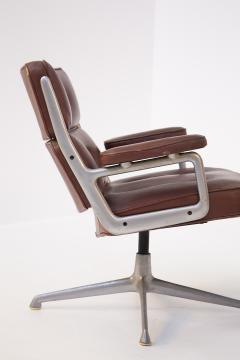 Herman Miller Herman Miller Chairs Model Soft Pad in Brown Leather and Steel - 2136883