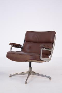 Herman Miller Herman Miller Chairs Model Soft Pad in Brown Leather and Steel - 2136886