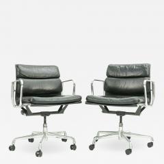 Herman Miller Pair of Herman Miller Soft Pad Office Chairs - 1921093