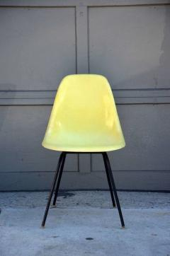 Herman Miller Set of 4 Vintage Eames Chairs by Herman Miller - 974637