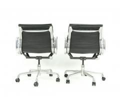 Herman Miller Seven Herman Miller Soft Pad Office Chairs - 1801110