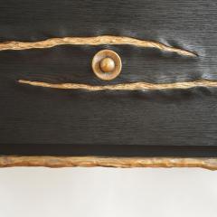 Hoon Moreau LA GRIFFE DU TEMPS I Bronze and sculpted oak cabinet 2017  - 1983463