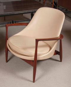 Ib Kofod Larsen Elizabeth Chair by Ib Kofod Larsen in Teak and Leather - 169465