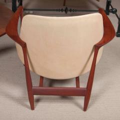 Ib Kofod Larsen Elizabeth Chair by Ib Kofod Larsen in Teak and Leather - 169468