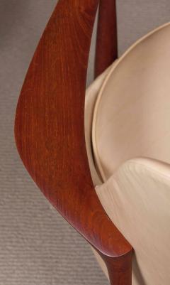 Ib Kofod Larsen Elizabeth Chair by Ib Kofod Larsen in Teak and Leather - 169470
