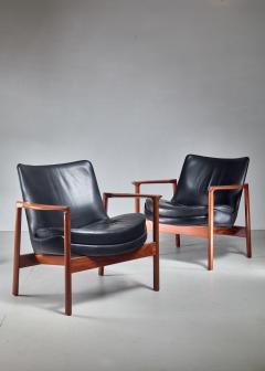 Ib Kofod Larsen Ib Kofod Larsen Pair Elizabeth Lounge Chairs Denmark 1970s - 926131