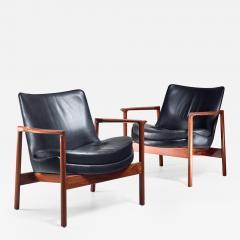 Ib Kofod Larsen Ib Kofod Larsen Pair Elizabeth Lounge Chairs Denmark 1970s - 926637