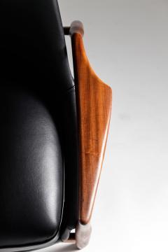 Ib Kofod Larsen Mid Century Scandinavian Lounge Chair Seal Chair by Ib Kofod Larsen - 851077