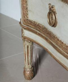 Important Italian Neoclassic Painted and Parcel Gilt Commode - 396573