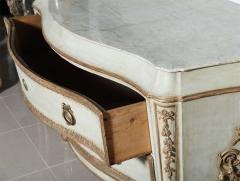 Important Italian Neoclassic Painted and Parcel Gilt Commode - 396575