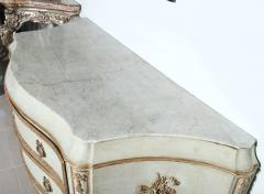 Important Italian Neoclassic Painted and Parcel Gilt Commode - 396578