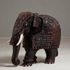 Indian carved hardwood elephant - 825289