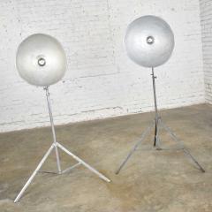 Industrial pair of photographers floor lights tripod base aluminum steel - 1693057
